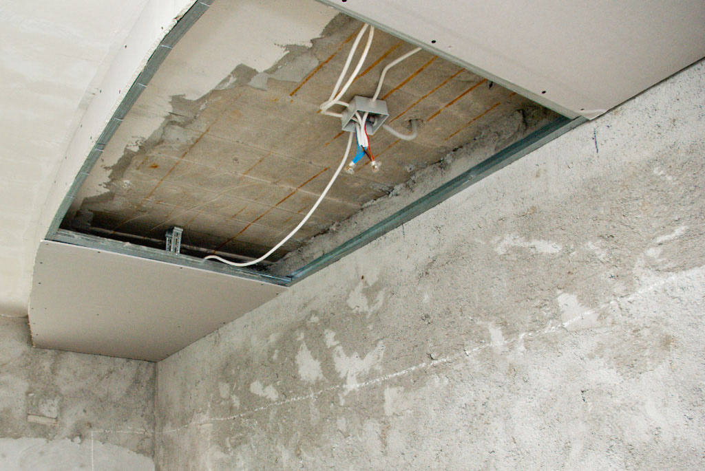Diy Drywall How To Fix A Hole In Drywall Fixing Holes